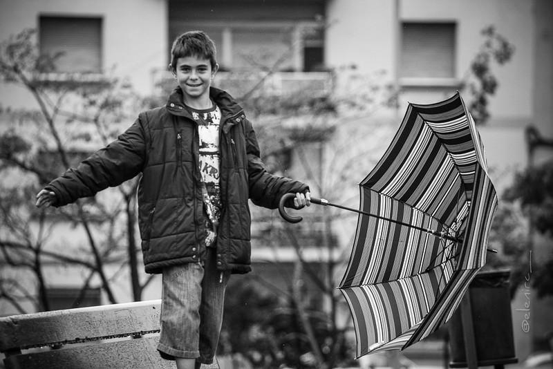 reportaje de comunión exterior, reportaje de comunión en Barcelona, reportaje de comunión en Mollet, fotografía de primera comunión natural, reportaje espontáneo de comunión, elenircfotografia